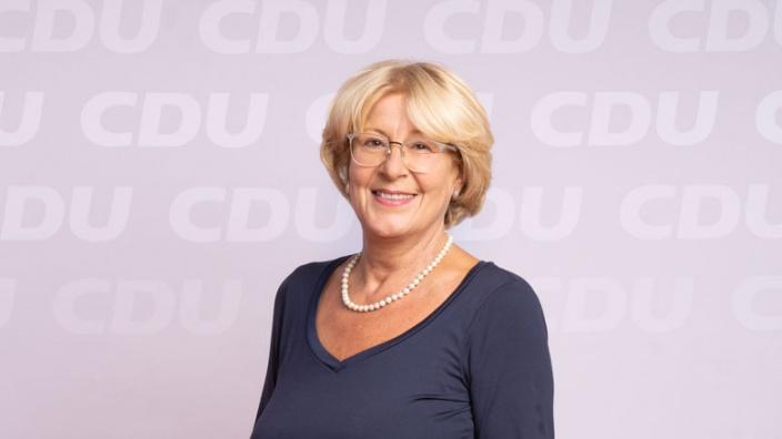 Cornelia Hütten